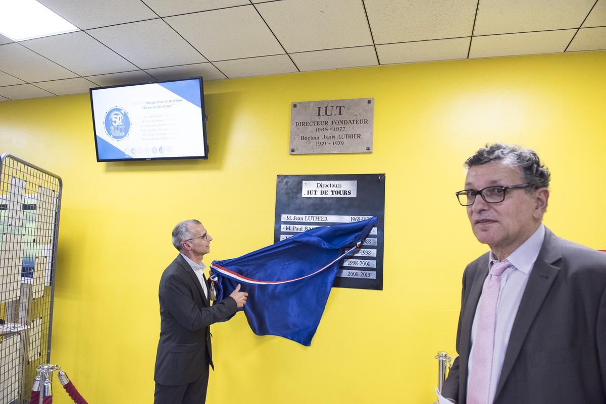 inauguration plaque directeurs iut 50 ans