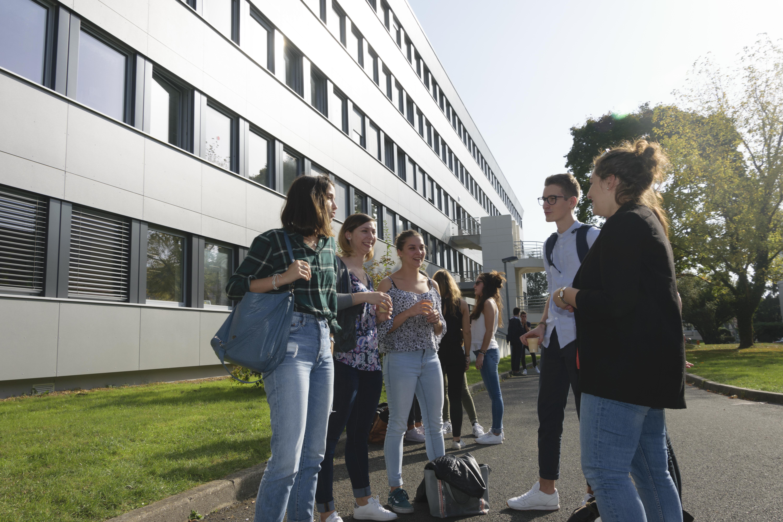 L'IUT de tours a été entièrement rénové pour accueillir les étudiants dans des conditions optimales